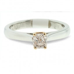 Solitaire Ring Set in Platinum