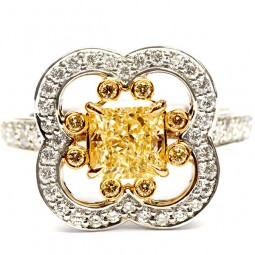 A 1.27ct Radiant Yellow Diamond Ring se