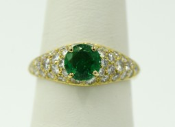 A Beautiful Antique Colombian Emerald Ring